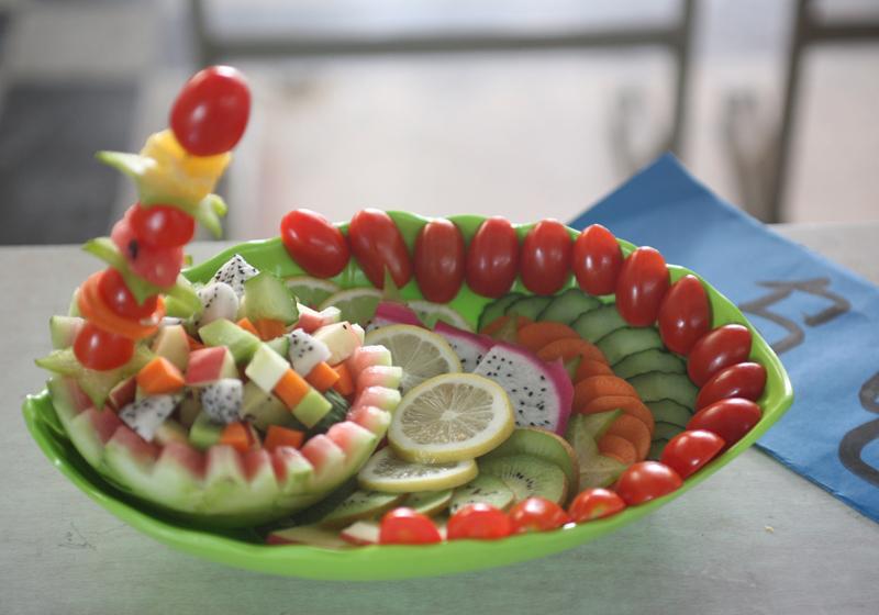 本次蔬果拼盘大赛展现了同学们的想象力,创造力,也促进了校园文化